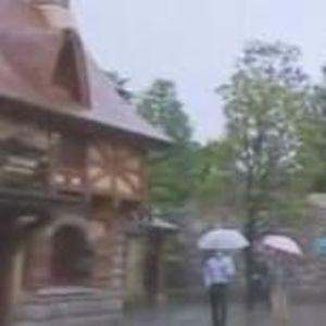 【風間グリ】雨の中でディズニーの新エリアのベイマックスなどをロケをする風間くんの様子9/25